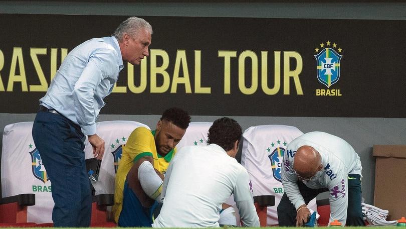 Infortunio per Neymar, salta la Coppa America con il Brasile