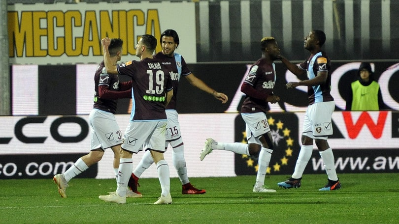 Salernitana, salvezza ai rigori: playout amari per il Venezia, retrocesso in C