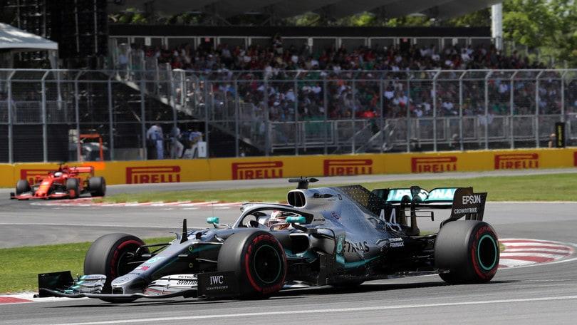 Vettel primo ma penalizzato: vince Hamilton fra le polemiche, Leclerc 3°