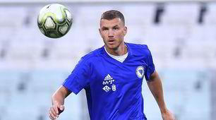 Allenamento Bosnia, Dzeko al lavoro per battere l'Italia