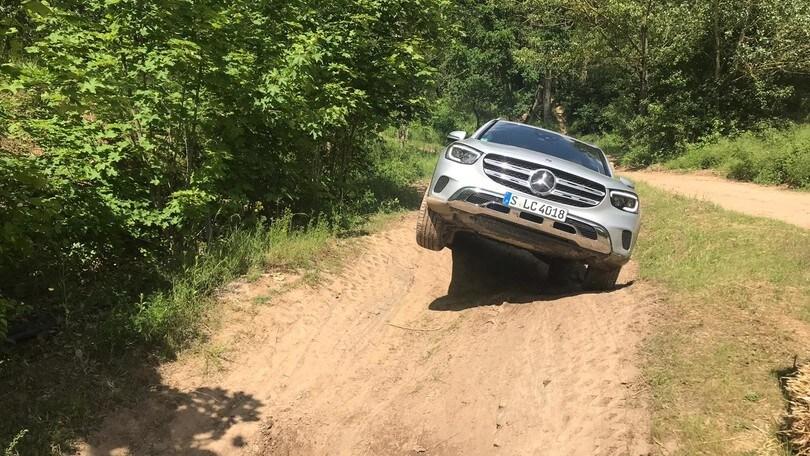 Mercedes GLC: il test off-road VIDEO e FOTO