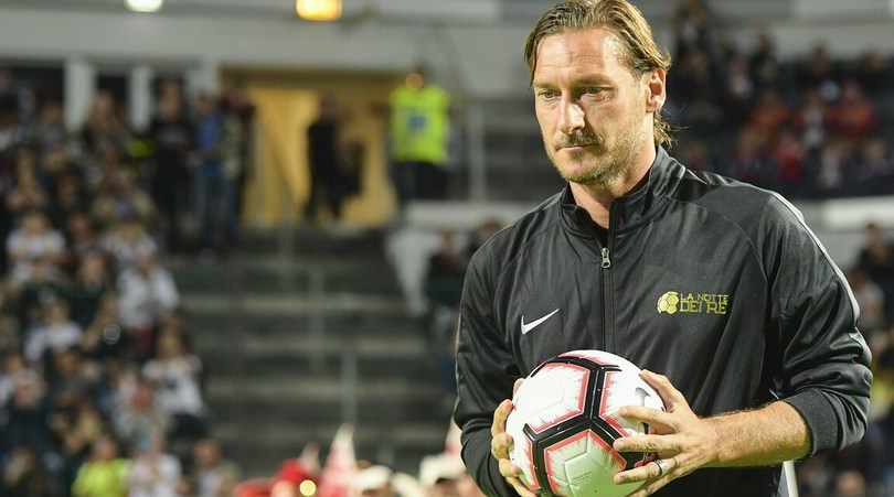 Totti torna a giocare: iscritta la sua squadra nella Serie A di Calcio a 8