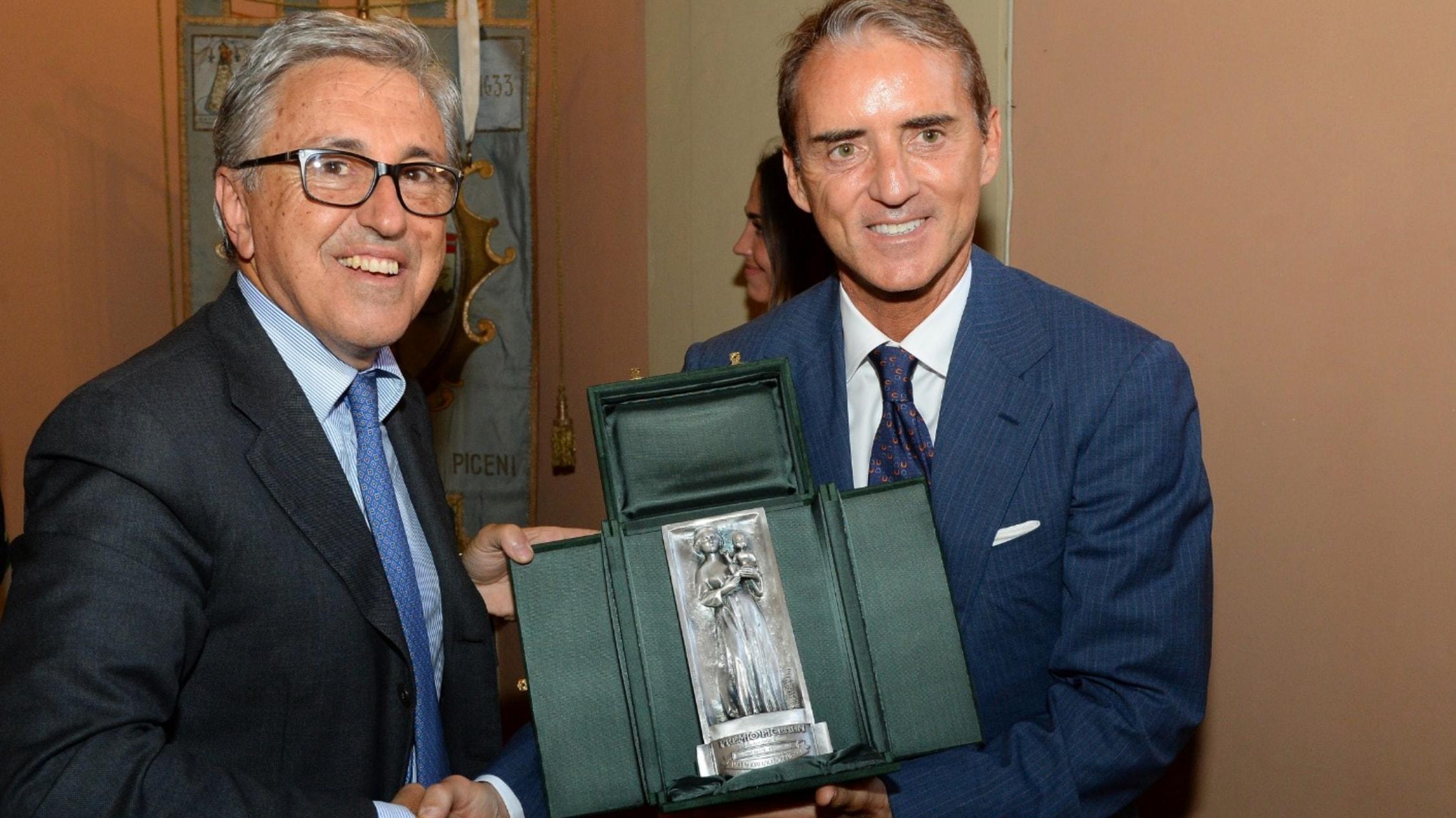 """Ai marchigiani Mancini, Burioni e Branchesi assegnato il """"Premio Picenum 2019"""""""