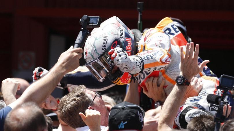 MotoGp: Marquez vince in Catalogna, terzo Petrucci