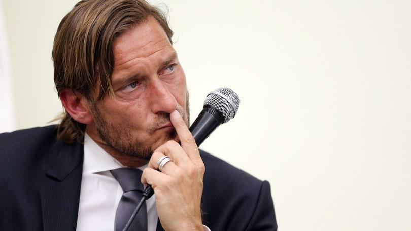 La Roma replica a Totti: