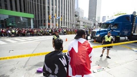 Spari a Toronto durante la festa dei Raptors: quattro feriti