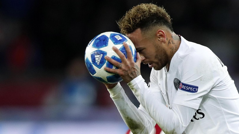"""Neymar al Psg: """"Basta, voglio tornare al Barcellona"""""""