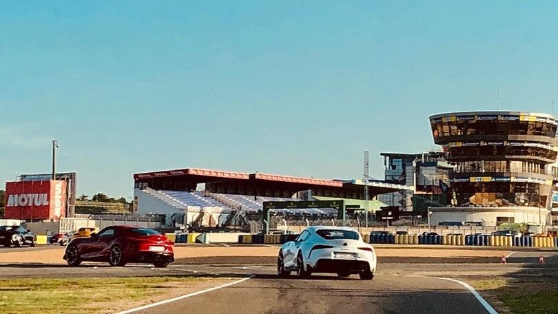Toyota Supra, hot lap da brividi a Le Mans