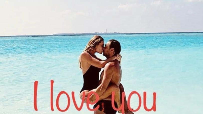 La quiete dopo la tempesta: Totti e Ilary festeggiano l'anniversario di matrimonio