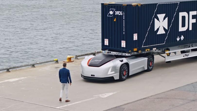 Volvo Vera, debutta su strada il camion a guida autonoma - VIDEO