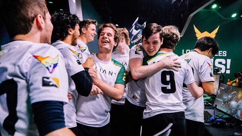 "Overwatch League: i Valiant sconfiggono i ""giganti"" canadesi"