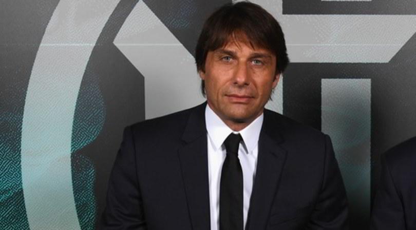 Conte nella sede dell'Inter incontra l'agente di Lukaku