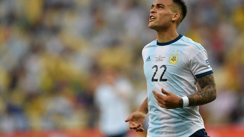 """L'agente di Lautaro Martinez: """"Barcellona? Sta bene all'Inter ma vuole giocare"""""""