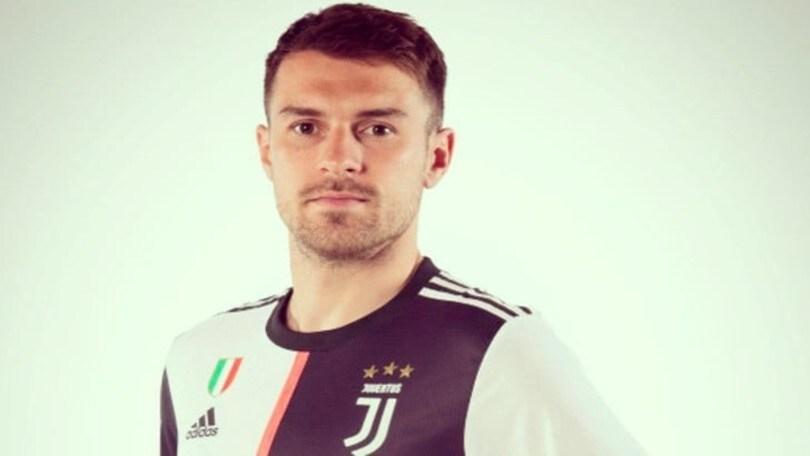 Juve, Ramsey è ufficiale: ecco la prima foto in bianconero