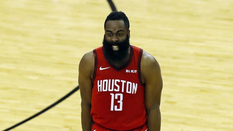 Nba, Houston ko nonostante Harden. Vincono Sacramento e Warriors