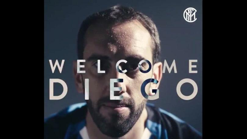 Inter, ufficiale l'arrivo di Godin: