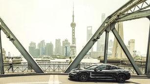 Porsche Taycan, che sfilata a Shanghai - LE FOTO