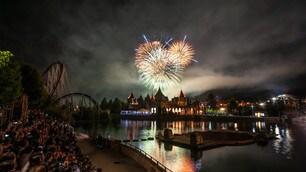 Rainbow Magicland, che show con il Magic Fire Festival
