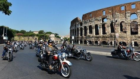 Harley, via al raduno che porta gli appassionati a Roma