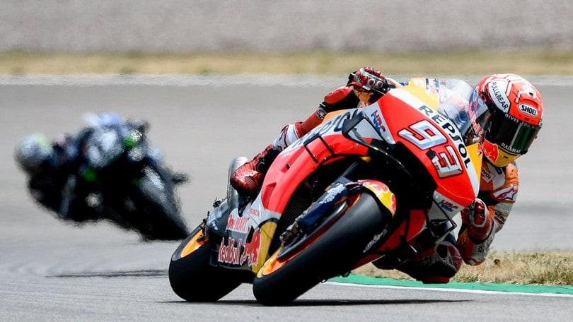 Marquez domina e vince al Sachsenring, Petrucci quarto e Valentino Rossi 8°