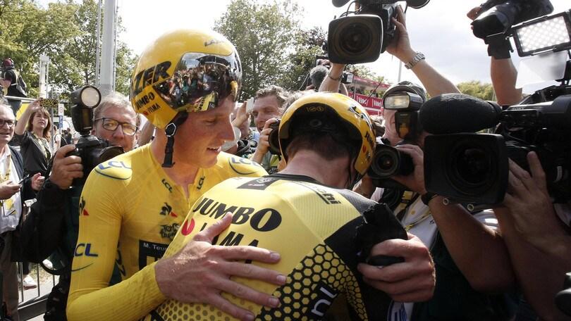 Alla Jumbo-Visma la cronosquadre del Tour de France: Teunissen in giallo