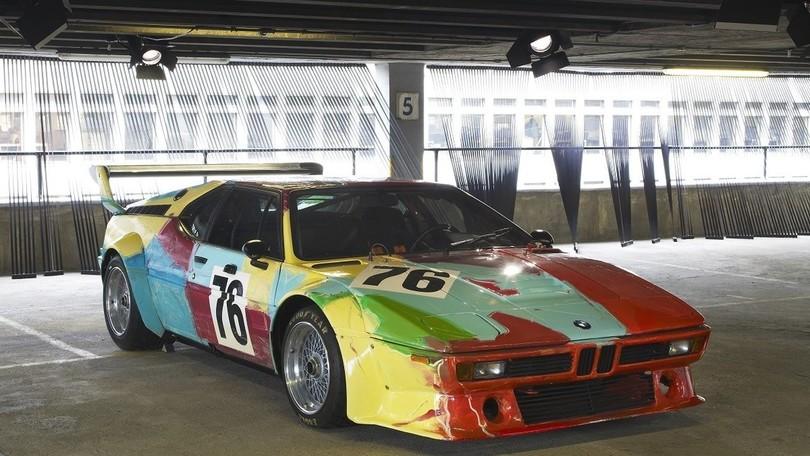 BMW M1 a Milano: l'opera d'arte realizzata da Andy Warhol