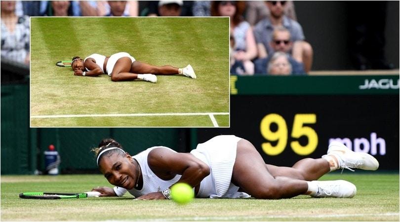 Serena Williams, che caduta a Wimbledon contro la Riske