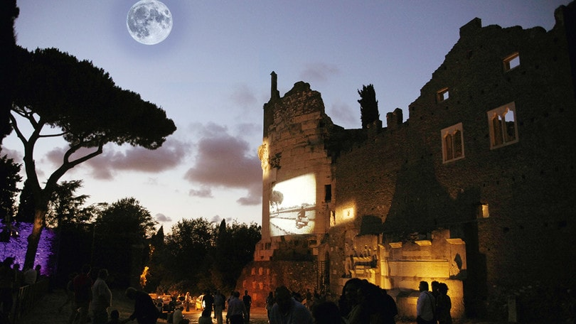 """""""Dal tramonto all'Appia. Guarda che luna"""": tre giorni sotto le stelle"""