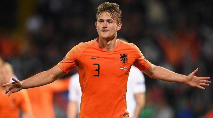 """""""De Ligt, la Juve alza l'offerta: 67 milioni all'Ajax"""""""
