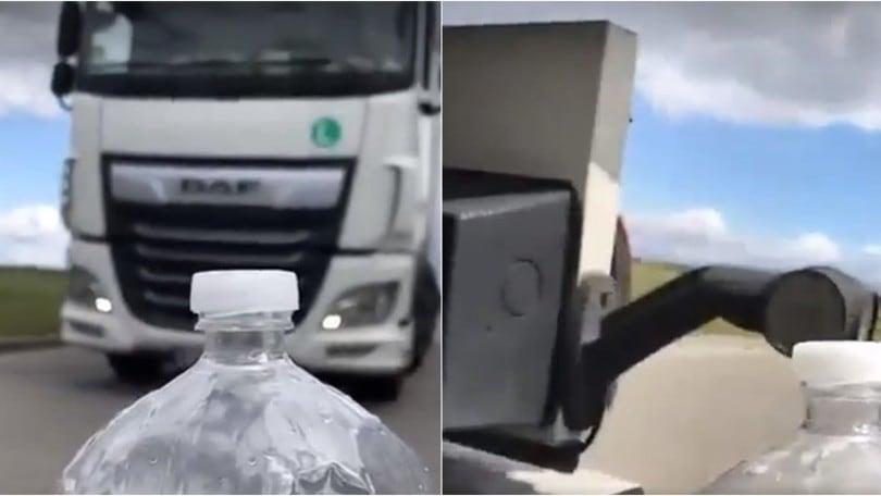 Bottle Cap Challenge con il camion: VIDEO