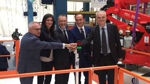 Fiat 500 elettrica: a Mirafiori arriva il robot Comau FOTO
