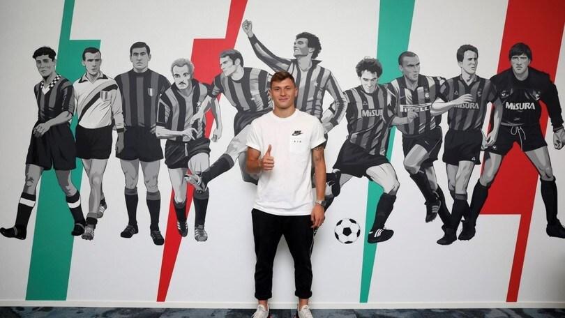 Barella, ufficiale l'arrivo all'Inter