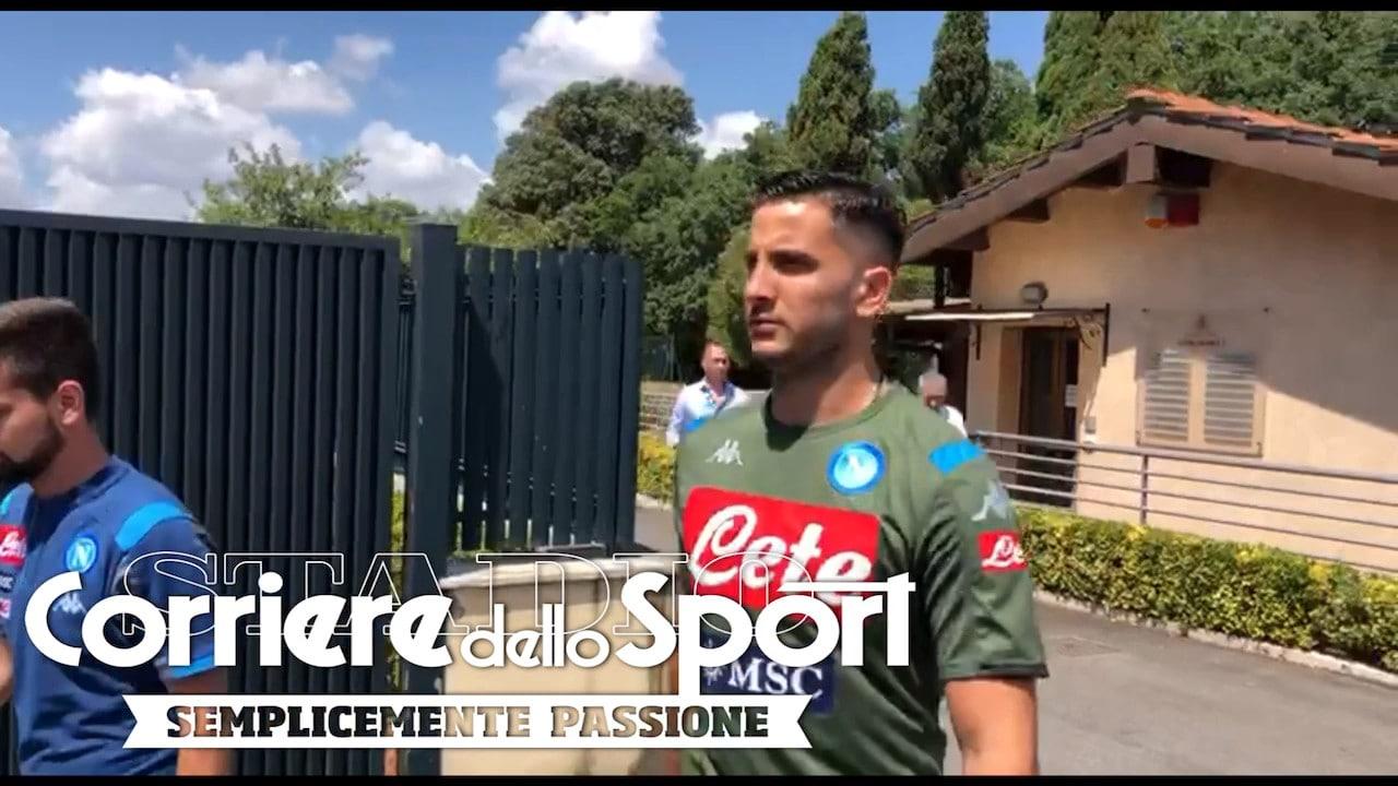 Manolas indossa la maglia del Napoli