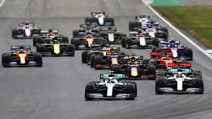 Hamilton trionfa a Silverstone: Leclerc terzo, Vettel penalizzato