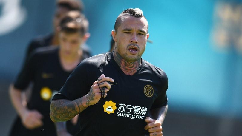 Inter, dopo Icardi anche Nainggolan lascia il ritiro