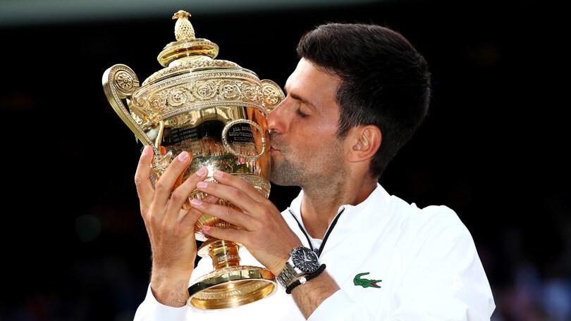 Djokovic re di Wimbledon, battuto Federer in cinque set