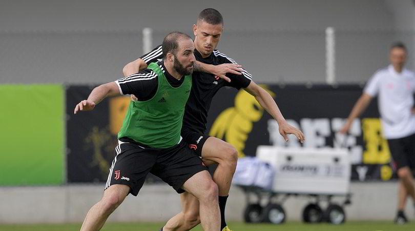 Higuain alla Roma, pronta la fascia di capitano