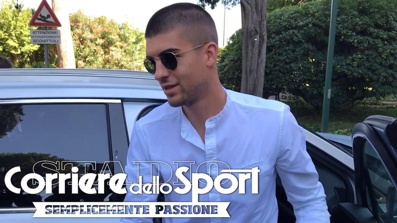 """Roma, Mancini a Villa Stuart per le visite mediche: """"Sono molto contento"""""""