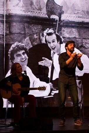 Matteo Nicoletta ricorda Troisi a Napoli