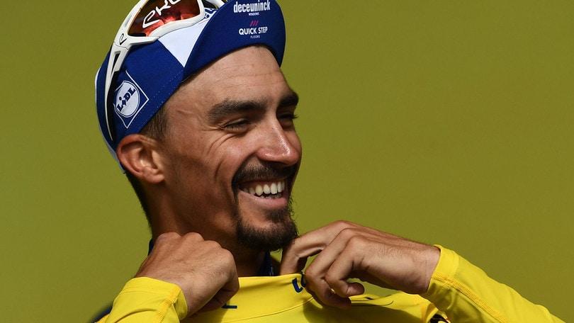 Alaphilippe sempre più leader del Tour de France: domina la crono di Pau