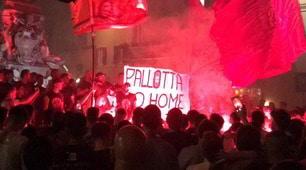 La Roma compie 92 anni: striscioni dei tifosi contro Pallotta