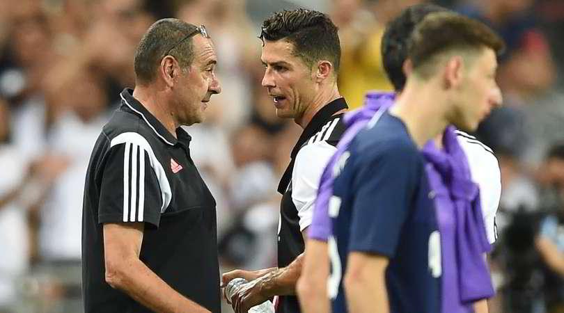 Juventus, Cristiano Ronaldo-Sarri dopo il cambio: cosa si saranno detti?