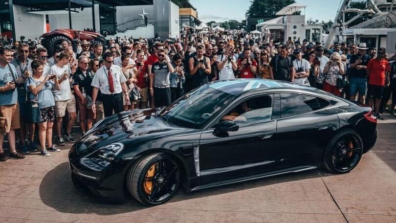 Porsche Taycan, anticipazioni e dettagli prima del debutto