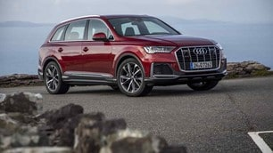 Audi Q7 restyling: gli scatti del test