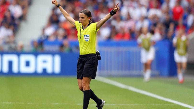 Supercoppa europea, rivoluzione Uefa: dirige arbitro donna