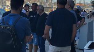 De Laurentiis e Giuntoli davanti all'albergo del Napoli a Marsiglia