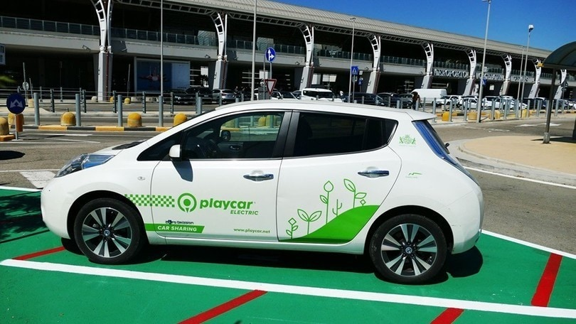 Cagliari, car sharing ecosostenibile in aeroporto