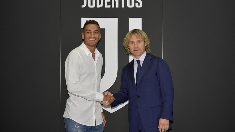 Juventus, è ufficiale Danilo in bianconero. Cancelo è del Manchester City