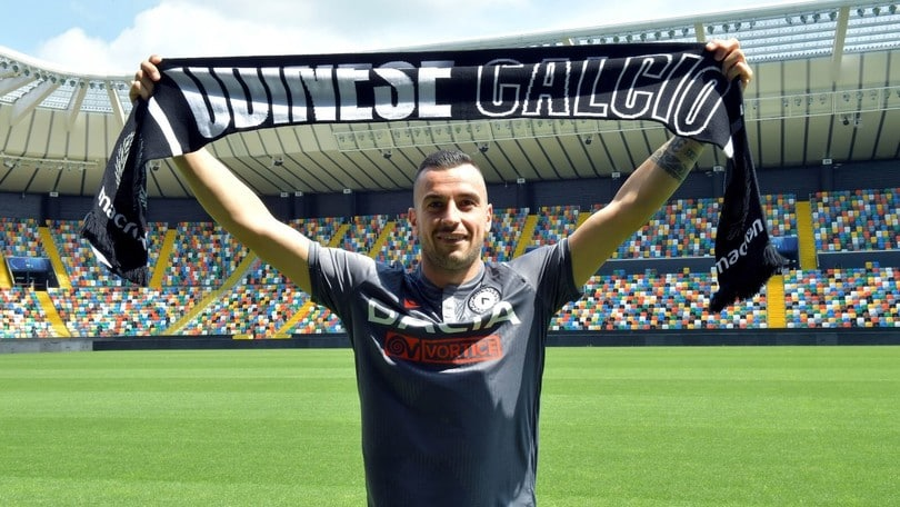Udinese, Nestorovski si presenta: