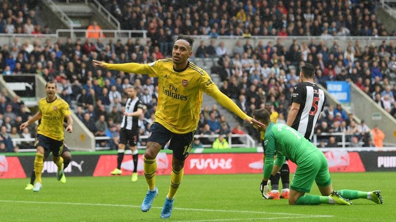 Aubameyang regala la vittoria all'Arsenal. Il Wolverhampton di Cutrone fa 0-0 col Leicester